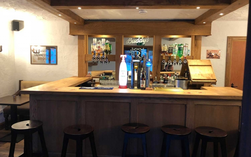 Residents Bar at Rossharbour Lakeside Resort