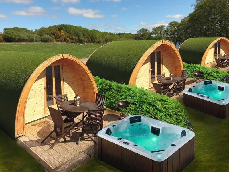 Luxury Lakeside Lodges