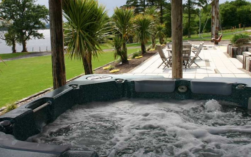 On-site Facilities | Outdoor Hot Tubs